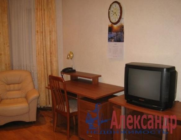 2-комнатная квартира (54м2) в аренду по адресу Поэтический бул., 1— фото 1 из 2