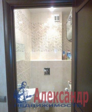 2-комнатная квартира (65м2) в аренду по адресу Бутлерова ул., 20— фото 2 из 3