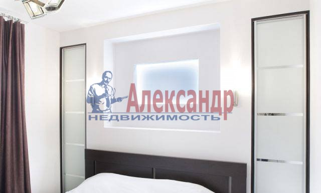 2-комнатная квартира (60м2) в аренду по адресу Комсомола ул., 14— фото 3 из 8