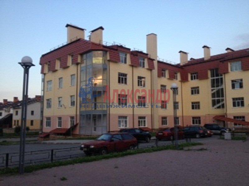 3-комнатная квартира (72м2) в аренду по адресу Сестрорецк г., Всеволода Боброва ул., 31— фото 1 из 6