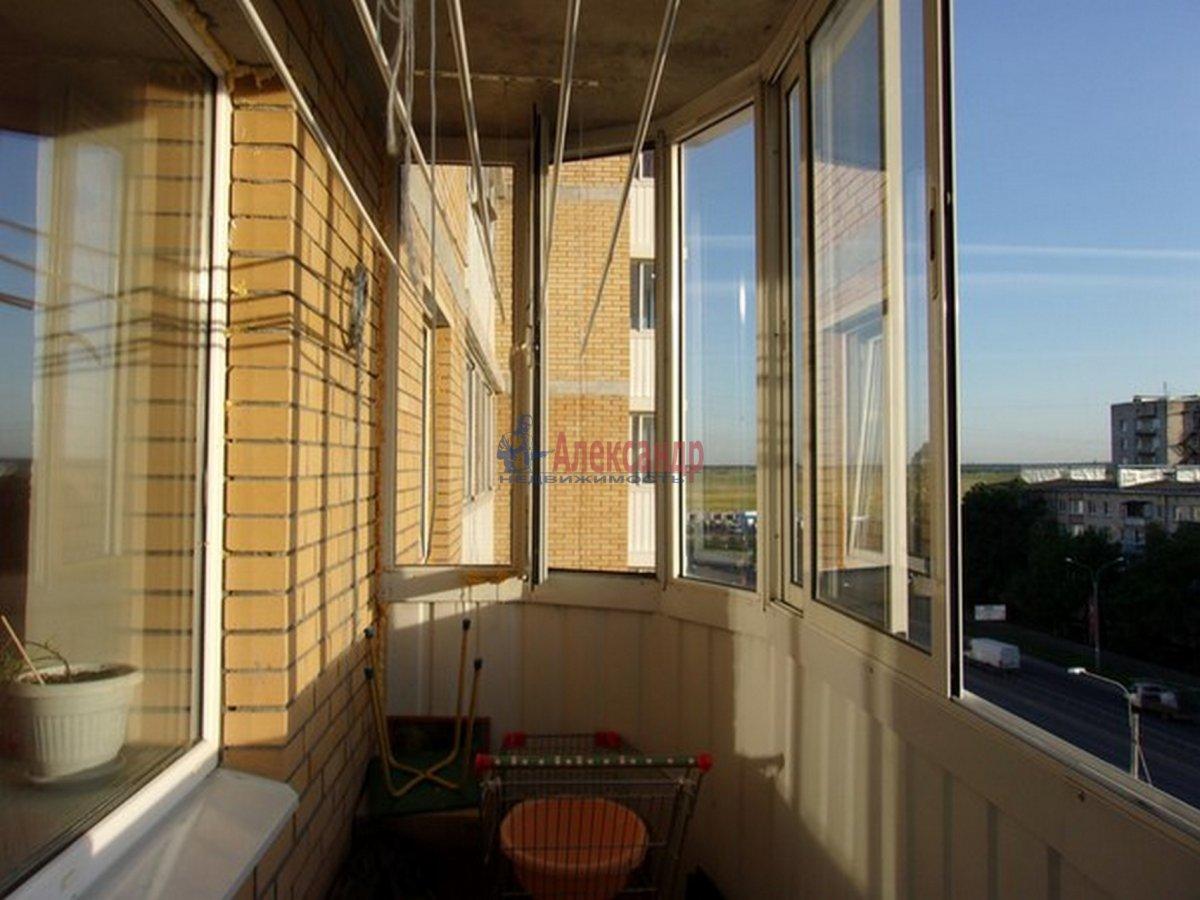 2-комнатная квартира (54м2) в аренду по адресу Красное Село г.— фото 3 из 8