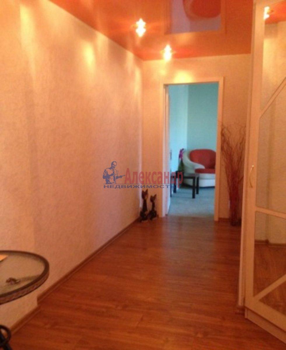 2-комнатная квартира (62м2) в аренду по адресу Авиаконструкторов пр., 23— фото 3 из 4