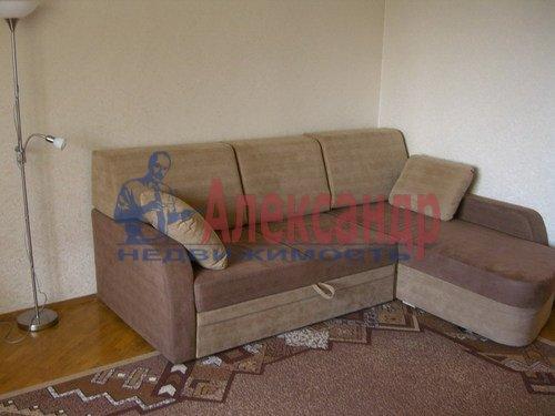 1-комнатная квартира (38м2) в аренду по адресу Долгоозерная ул., 33— фото 2 из 4