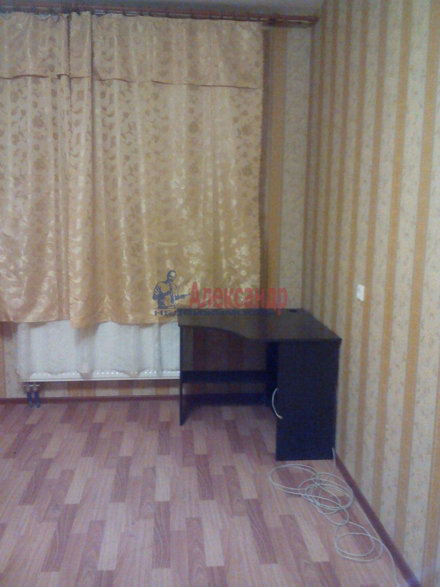 1-комнатная квартира (46м2) в аренду по адресу Кудрово дер., Венская ул., 4— фото 3 из 8