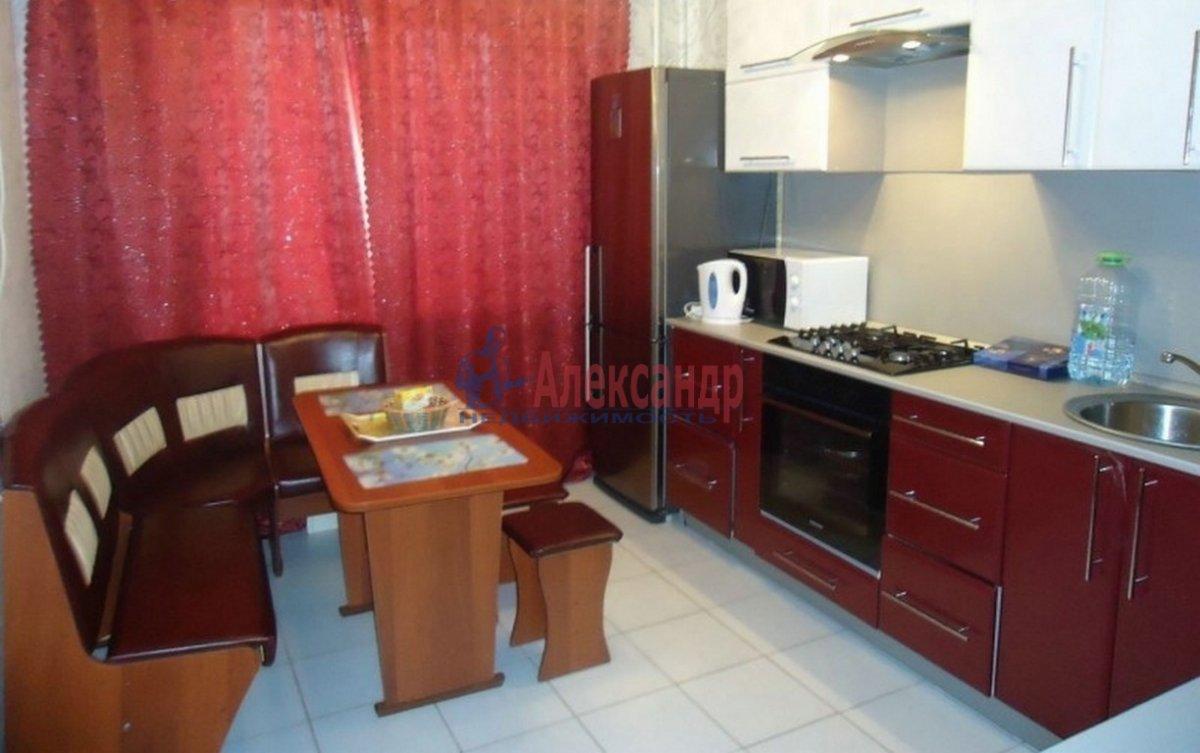 3-комнатная квартира (89м2) в аренду по адресу Московский просп., 75— фото 3 из 4