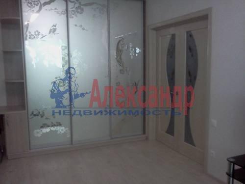 2-комнатная квартира (70м2) в аренду по адресу Автовская ул., 15— фото 7 из 9
