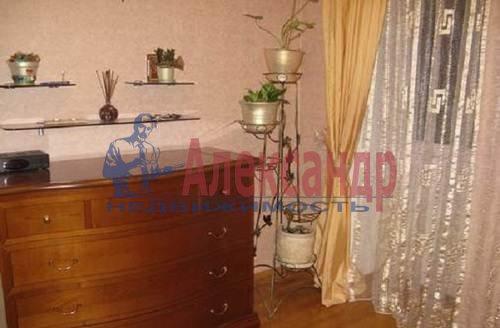 2-комнатная квартира (60м2) в аренду по адресу Коломяжский пр., 20— фото 4 из 7