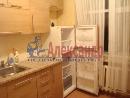 2-комнатная квартира (56м2) в аренду по адресу Большевиков пр., 3— фото 1 из 5