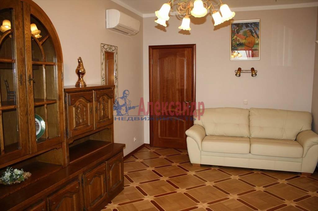 2-комнатная квартира (60м2) в аренду по адресу Мытнинская наб., 7/5— фото 2 из 10