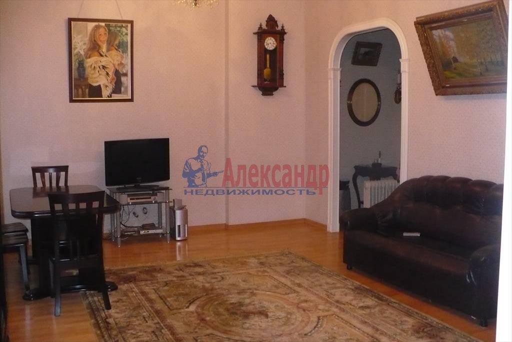 2-комнатная квартира (100м2) в аренду по адресу Каменноостровский пр., 1— фото 1 из 9