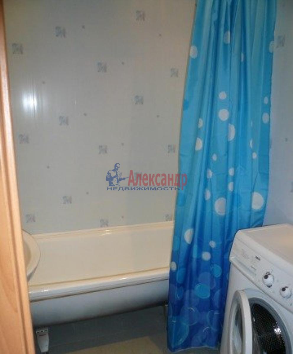 1-комнатная квартира (43м2) в аренду по адресу Маршала Захарова ул., 12— фото 4 из 4