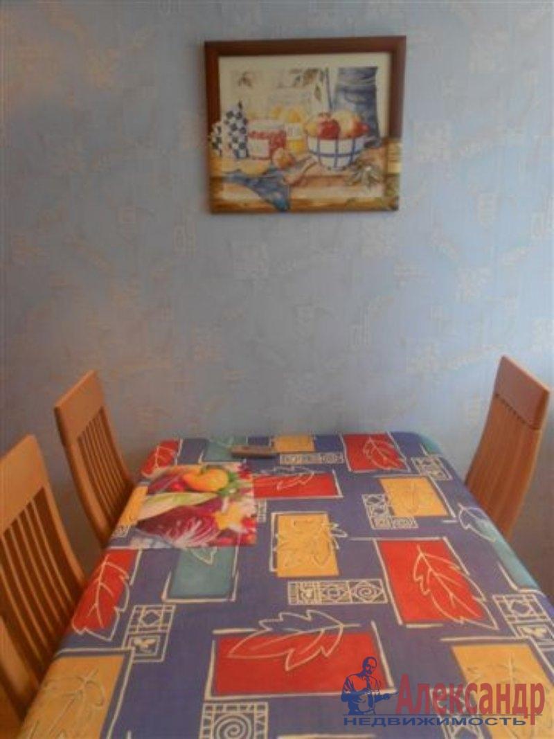 1-комнатная квартира (35м2) в аренду по адресу Дмитрия Устинова ул., 8— фото 1 из 3