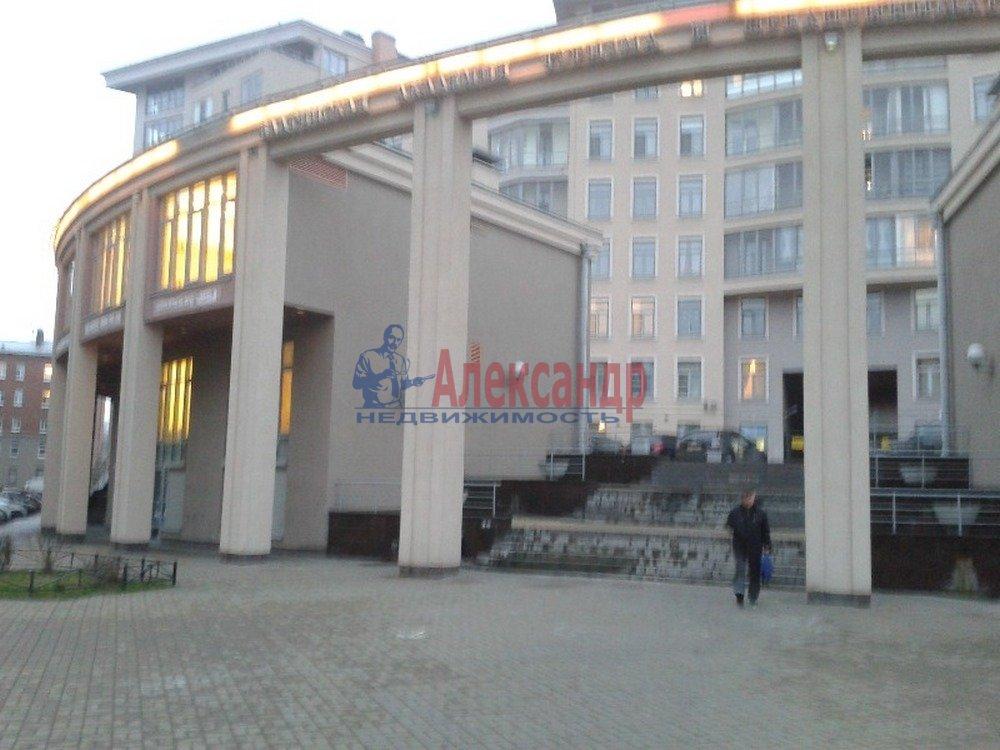 2-комнатная квартира (80м2) в аренду по адресу Петрозаводская ул., 13— фото 2 из 14