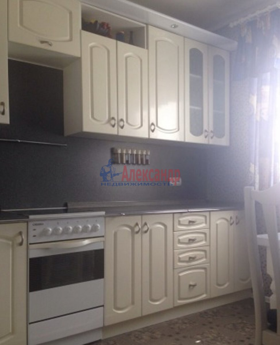2-комнатная квартира (64м2) в аренду по адресу Ленинский пр., 82— фото 3 из 4