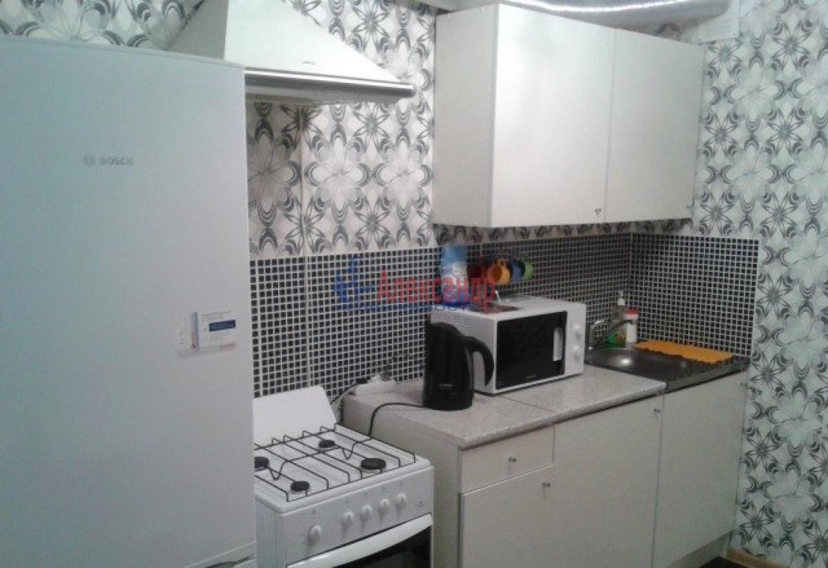 1-комнатная квартира (36м2) в аренду по адресу Большевиков пр., 5/6— фото 3 из 5