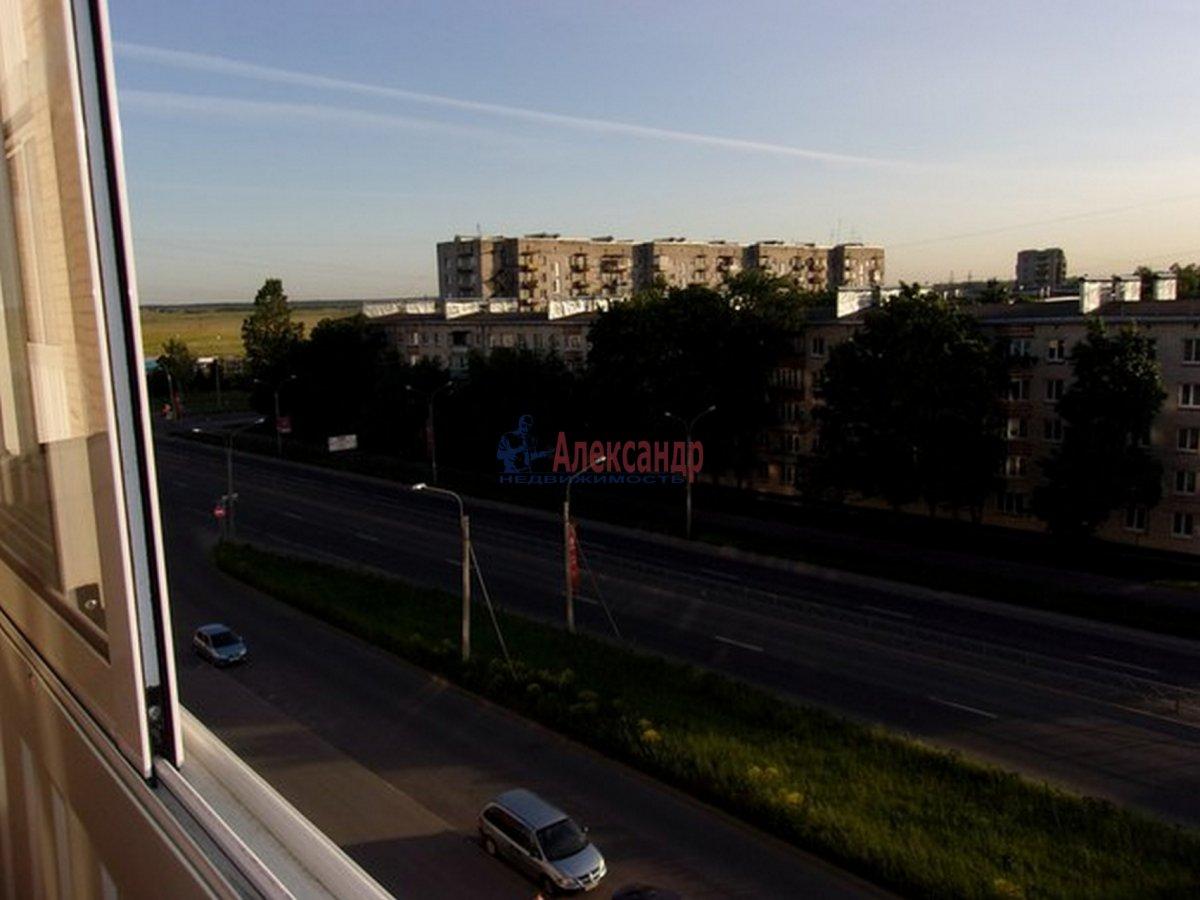 2-комнатная квартира (54м2) в аренду по адресу Красное Село г.— фото 4 из 8