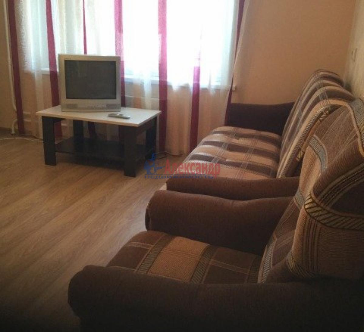 1-комнатная квартира (43м2) в аренду по адресу Дачный пр., 33— фото 6 из 9