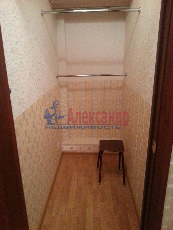 2-комнатная квартира (68м2) в аренду по адресу Турбинная ул., 35— фото 2 из 15