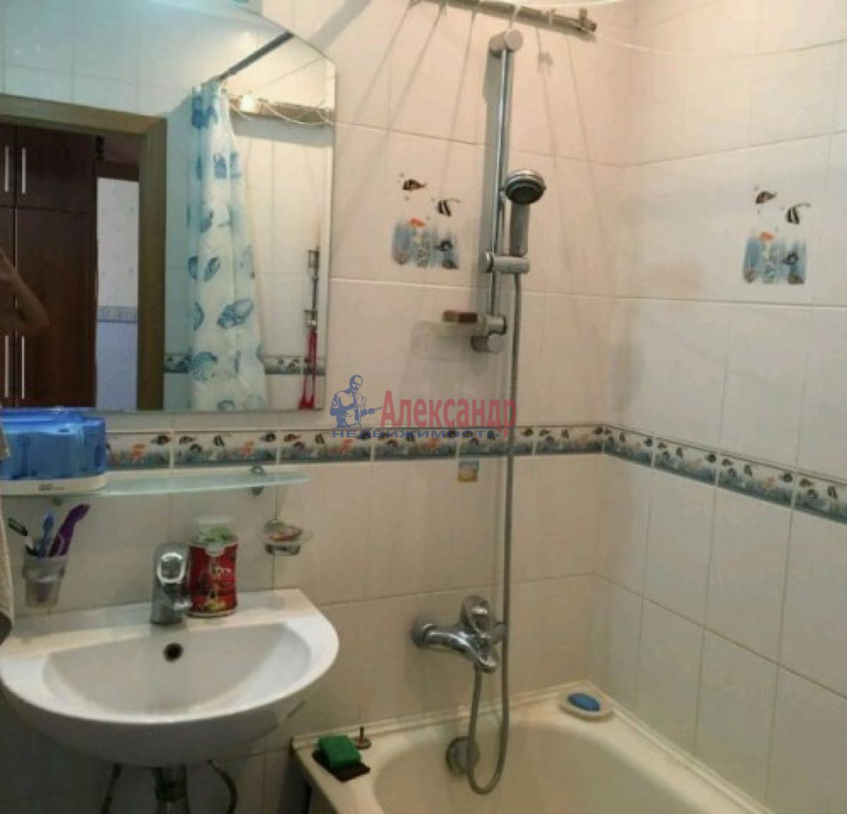 1-комнатная квартира (40м2) в аренду по адресу Танкиста Хрустицкого ул., 9— фото 3 из 4