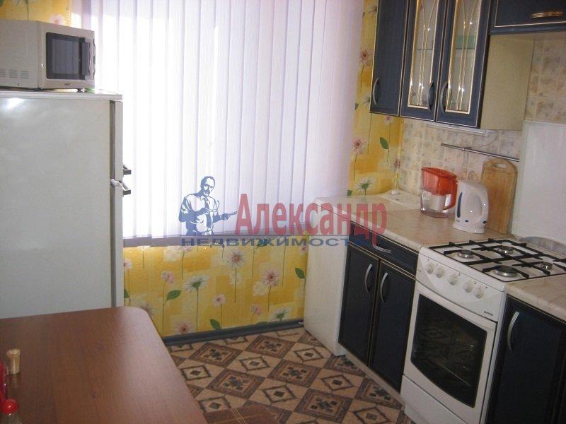 2-комнатная квартира (45м2) в аренду по адресу Кубинская ул., 30— фото 1 из 3