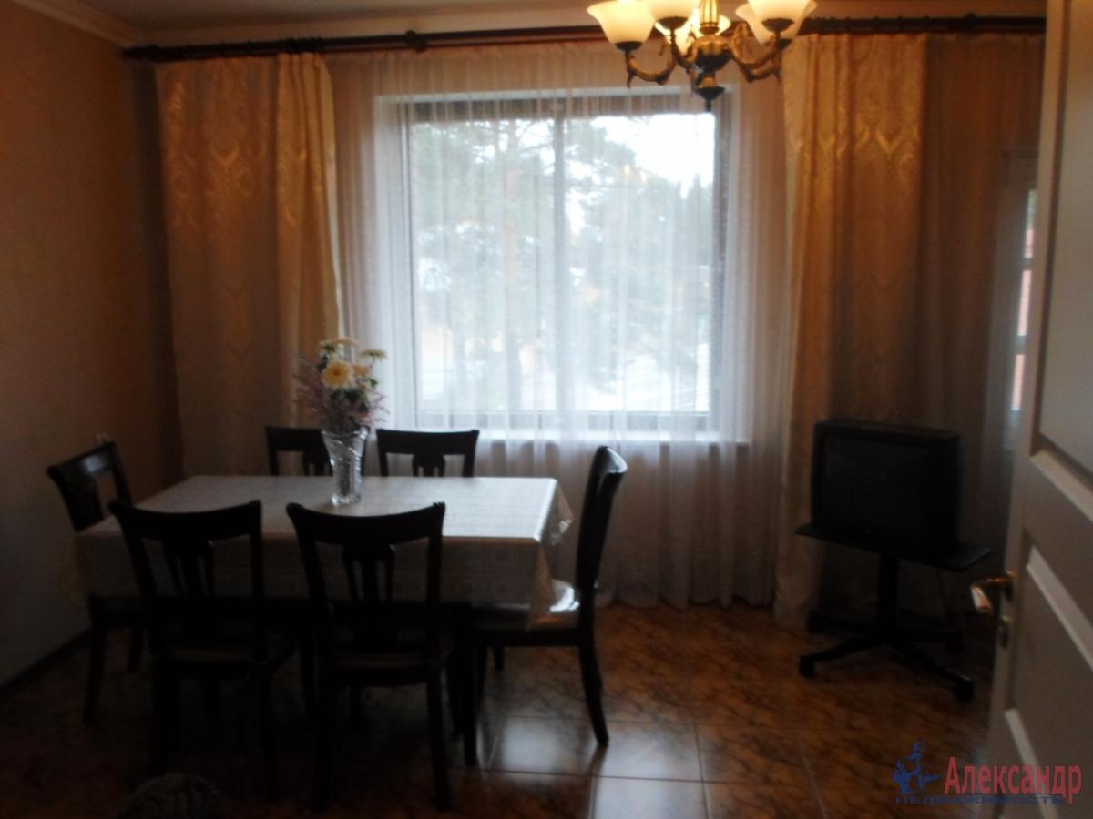 1-комнатная квартира (38м2) в аренду по адресу Белышева ул., 5— фото 1 из 4