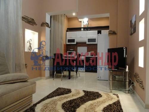 2-комнатная квартира (60м2) в аренду по адресу Лермонтовский пр., 30— фото 1 из 13