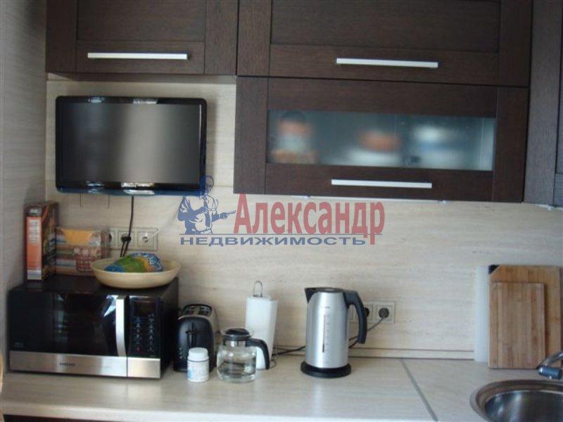 1-комнатная квартира (35м2) в аренду по адресу Демьяна Бедного ул., 10— фото 2 из 4