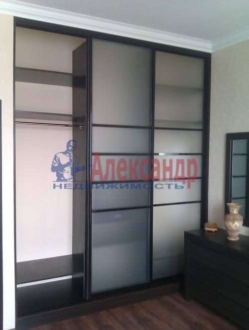3-комнатная квартира (120м2) в аренду по адресу Композиторов ул., 4— фото 9 из 10