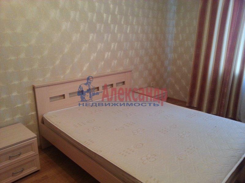 2-комнатная квартира (68м2) в аренду по адресу Турбинная ул., 35— фото 1 из 15