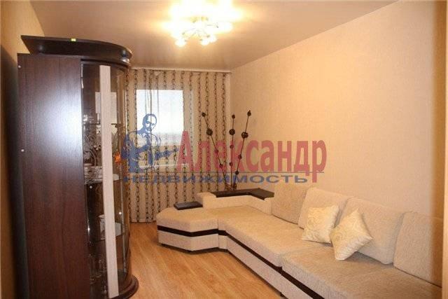 1-комнатная квартира (38м2) в аренду по адресу Караваевская ул., 28— фото 2 из 4