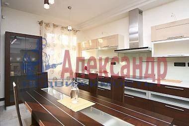 2-комнатная квартира (110м2) в аренду по адресу Рубинштейна ул., 3— фото 3 из 4