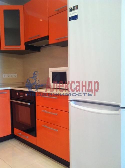 2-комнатная квартира (75м2) в аренду по адресу Космонавтов просп., 61— фото 3 из 17