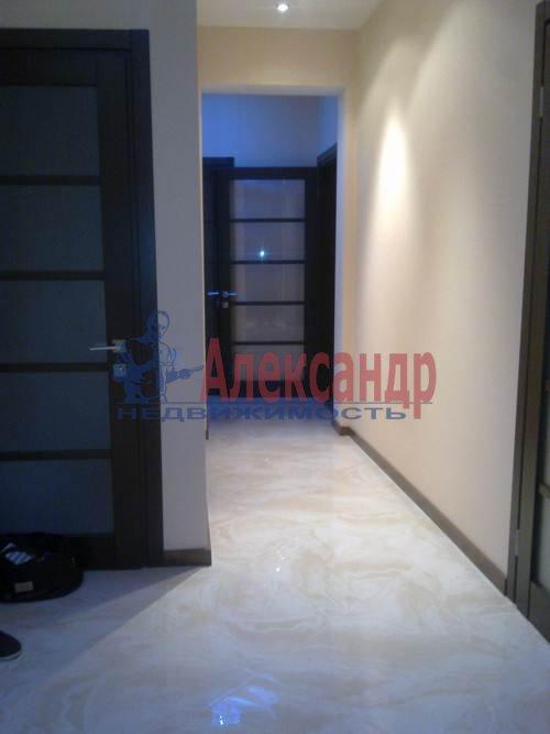 3-комнатная квартира (100м2) в аренду по адресу Коломяжский пр., 15— фото 1 из 11