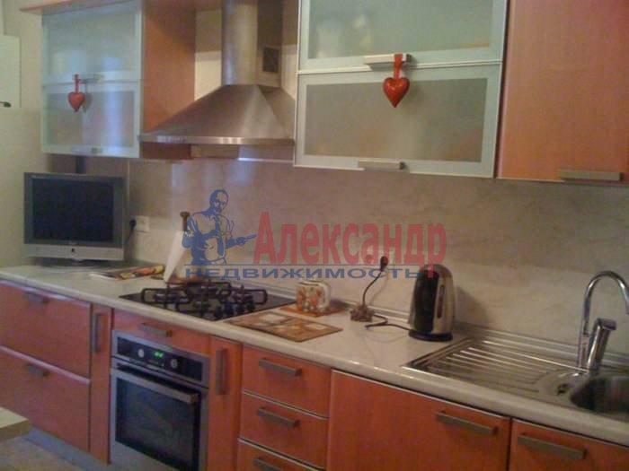 1-комнатная квартира (60м2) в аренду по адресу 10 Советская ул., 4— фото 1 из 9