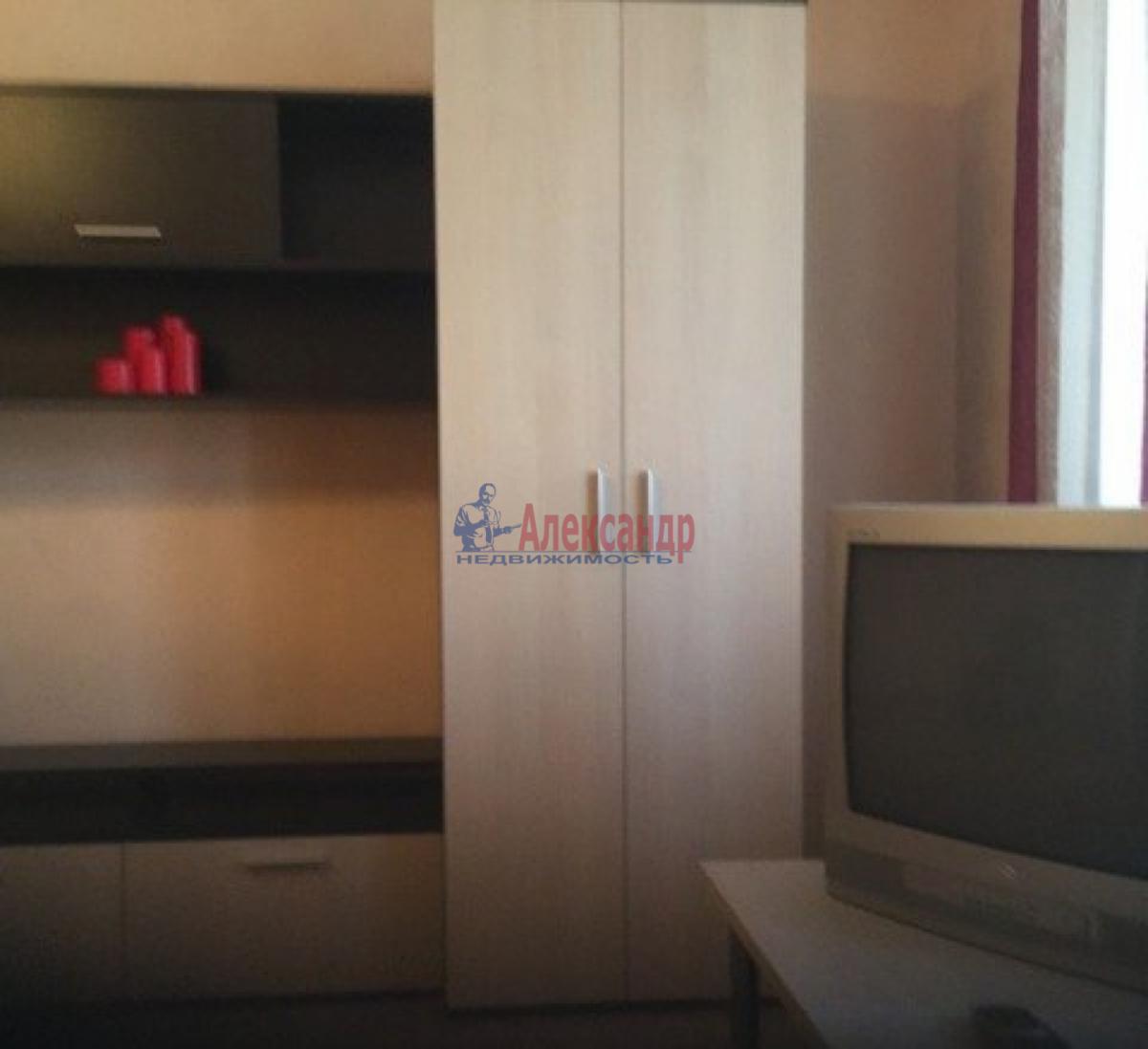 1-комнатная квартира (43м2) в аренду по адресу Дачный пр., 33— фото 7 из 9