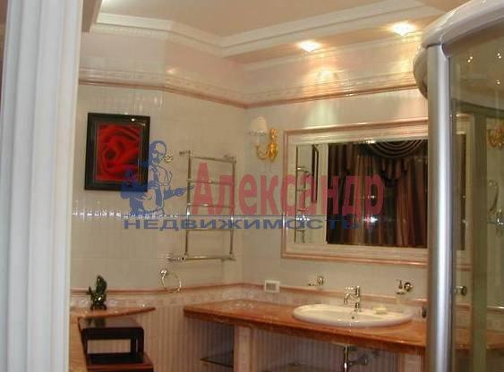 4-комнатная квартира (170м2) в аренду по адресу Харьковская ул., 8А— фото 3 из 4