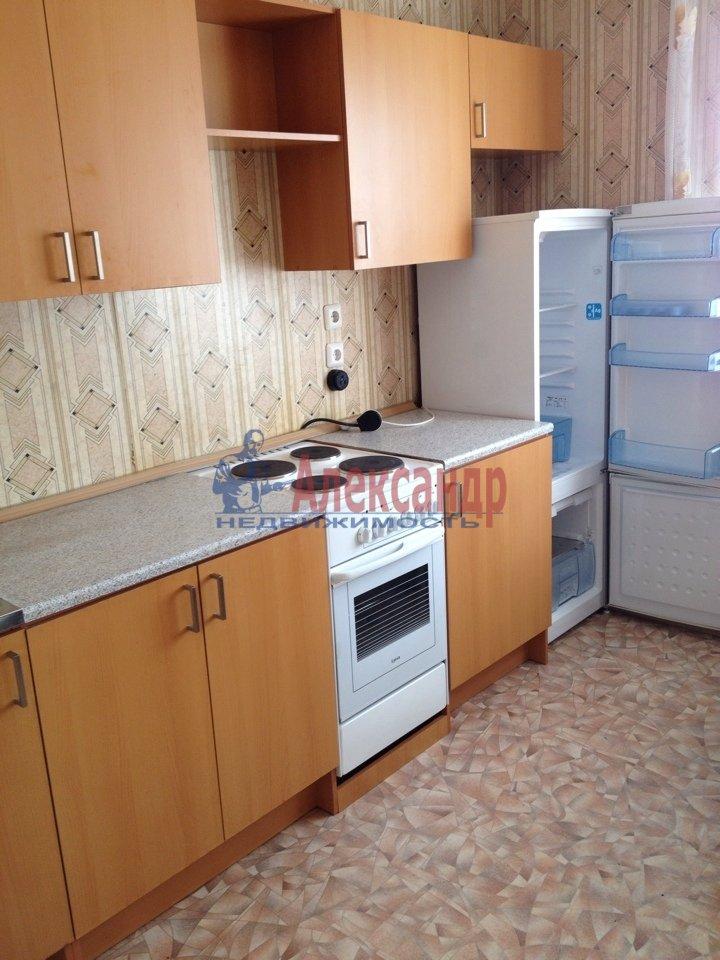 1-комнатная квартира (40м2) в аренду по адресу Яхтенная ул., 22— фото 1 из 10