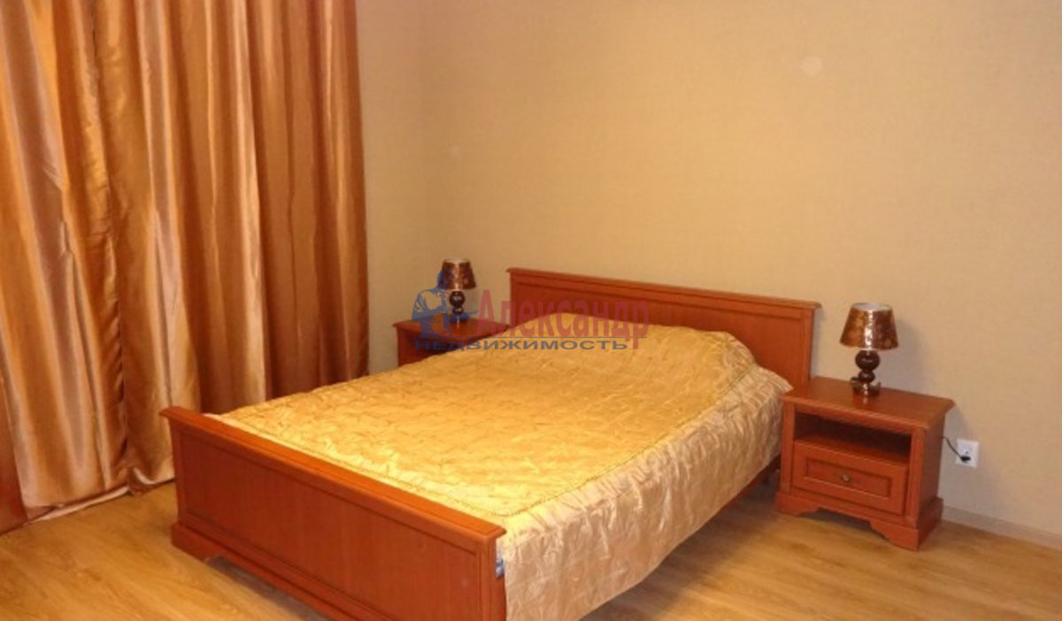 3-комнатная квартира (90м2) в аренду по адресу Таллинская ул., 6— фото 2 из 4