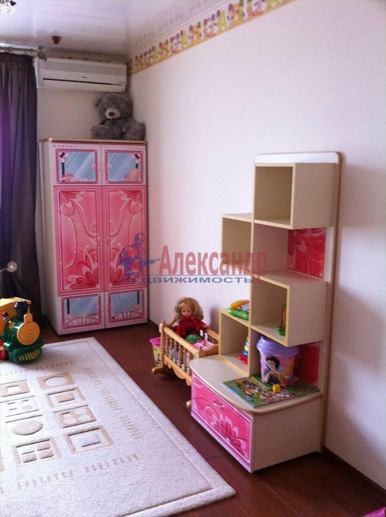 2-комнатная квартира (61м2) в аренду по адресу Луначарского пр., 112— фото 9 из 29