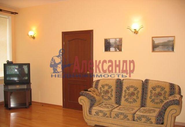 2-комнатная квартира (67м2) в аренду по адресу Ефимова ул., 5— фото 2 из 8
