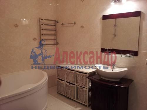 1-комнатная квартира (46м2) в аренду по адресу Композиторов ул., 12— фото 3 из 4