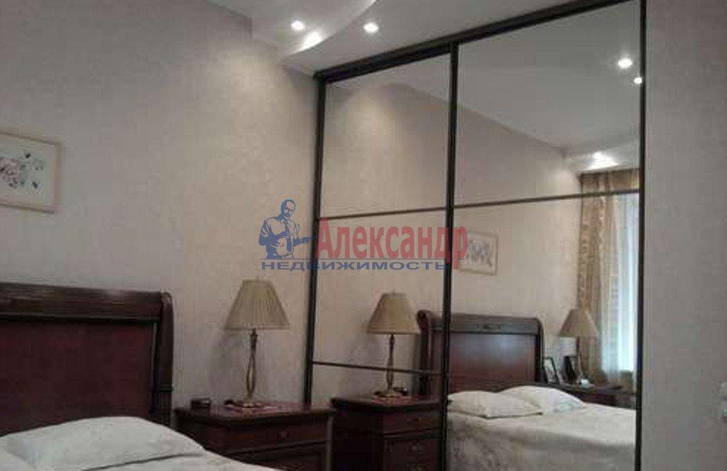2-комнатная квартира (66м2) в аренду по адресу Большая Морская ул., 51— фото 2 из 4