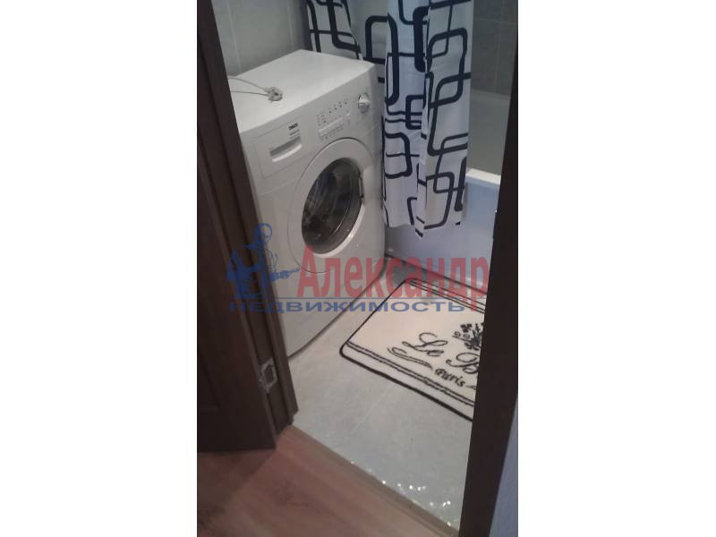 2-комнатная квартира (63м2) в аренду по адресу Белы Куна ул., 1— фото 5 из 9
