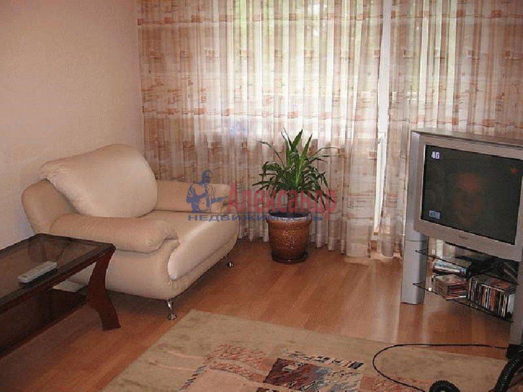 1-комнатная квартира (45м2) в аренду по адресу Серебристый бул., 17— фото 2 из 2