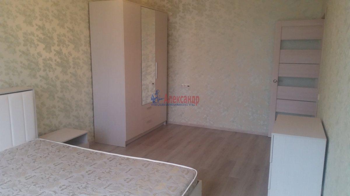 2-комнатная квартира (59м2) в аренду по адресу Обуховской Обороны пр., 110— фото 2 из 18