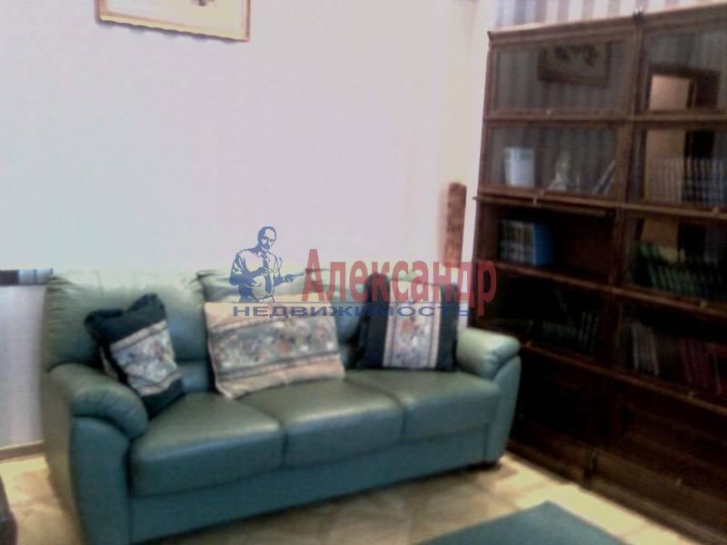 3-комнатная квартира (140м2) в аренду по адресу Петровский пр., 1— фото 2 из 12