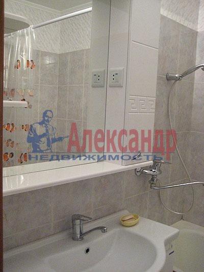 2-комнатная квартира (57м2) в аренду по адресу Юрия Гагарина просп., 12— фото 3 из 4