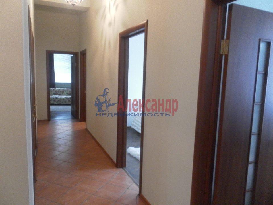 2-комнатная квартира (54м2) в аренду по адресу Морская наб., 39— фото 3 из 12
