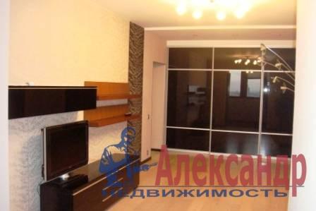 1-комнатная квартира (43м2) в аренду по адресу Конституции пл., 1— фото 1 из 6