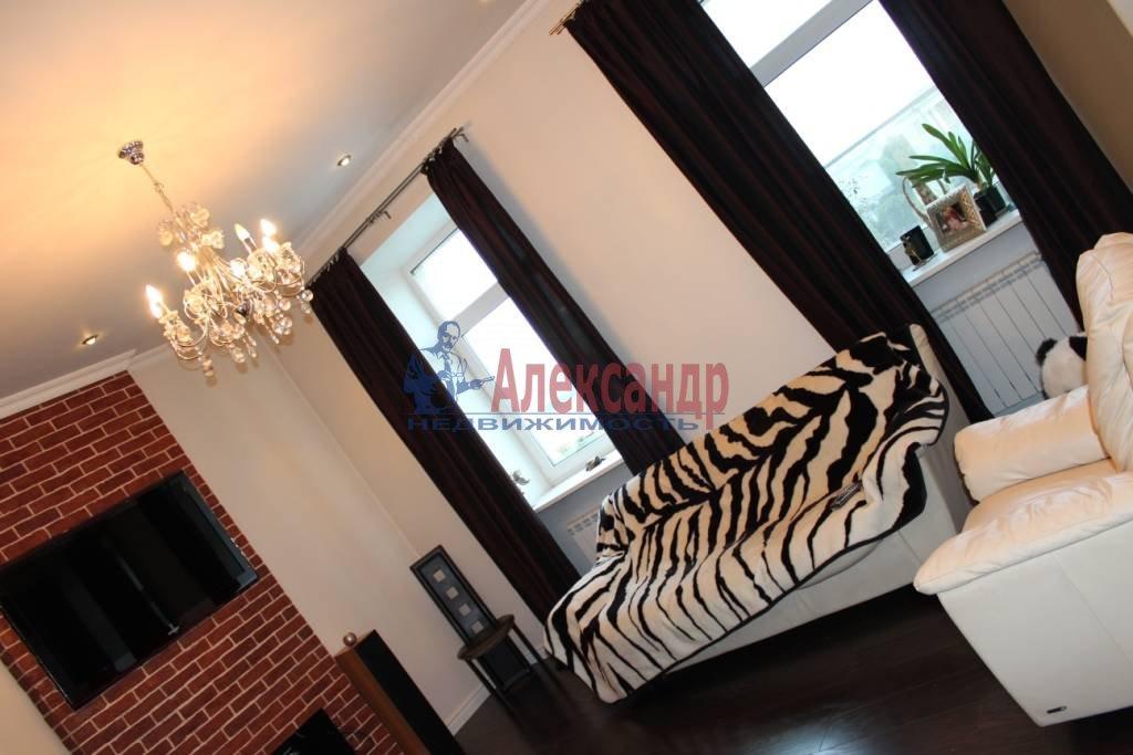 2-комнатная квартира (75м2) в аренду по адресу Ленина пл., 3— фото 4 из 9